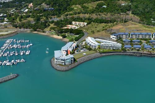 41 Peninsula, Airlie Beach