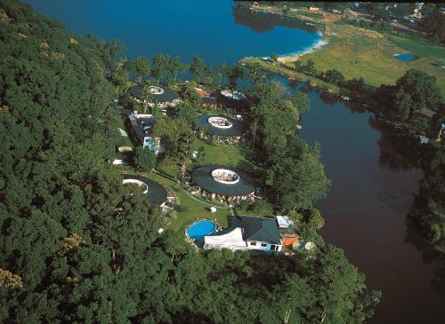 Отель Fish Tail Lodge
