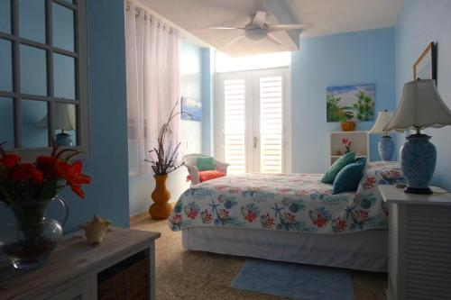 Picture of A Seascape Guest Room