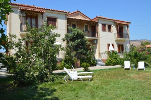 Апартаменты Mr. Greek Villa, Петра