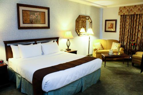 University Square Hotel