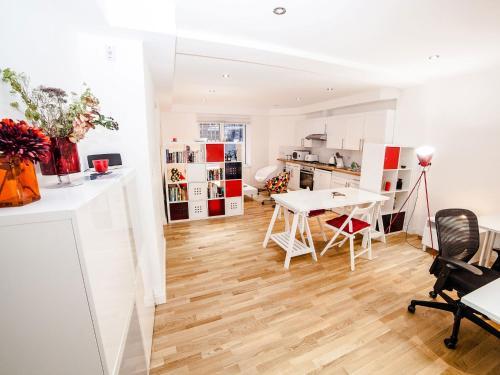 New Cavendish Apartment
