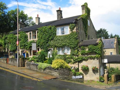 Photo of Rosebud Cottage Guest House Hotel Bed and Breakfast Accommodation in Haworth West Yorkshire