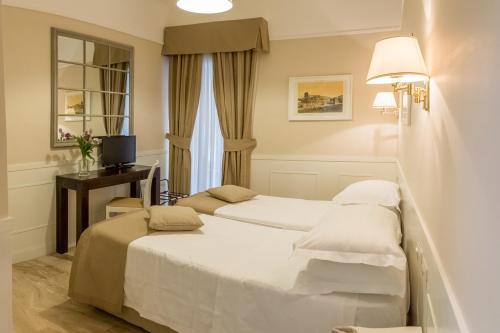 Hotel Modigliani - 39 of 44