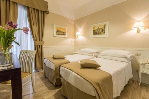 Hotel Modigliani - 8 of 44