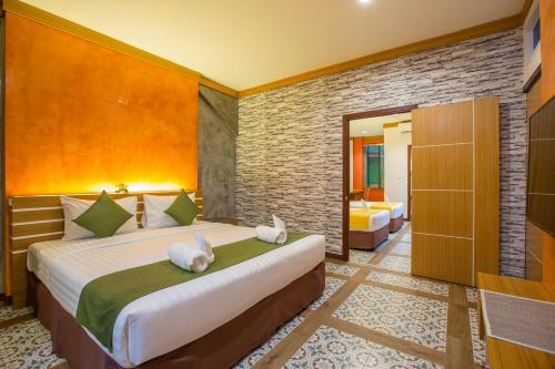 Nearby Grand Supicha City Hotel Tee Pak Dee Resident Et