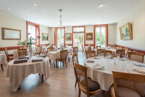 Отель Hotel Restaurant Emile Job 2 звезды Франция