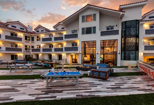 Hotel Hermosa CA, 90254