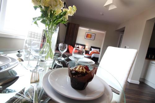 Diamond - St Helen's House Suite 4