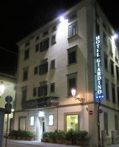 3 starts hotel in Prato