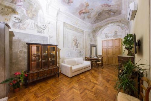 Magnoli Frescoes Suite