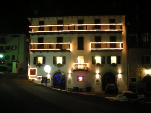 Booking Hotel Corona