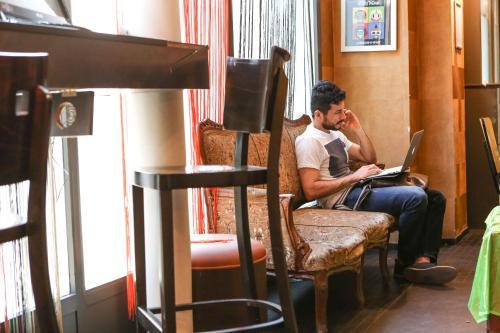 vintage hostel gare du nord auberge de jeunesse 73 rue de dunkerque 75009 paris adresse. Black Bedroom Furniture Sets. Home Design Ideas