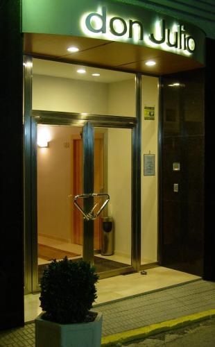 Отель Hostal Don Julio 2 звезды Испания
