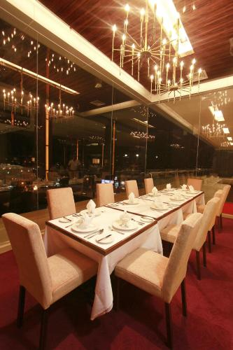 Отель Royal Asnof Hotel Pekanbaru 3 звезды Индонезия