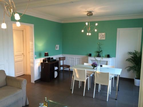 Apartment near Champs Elysees