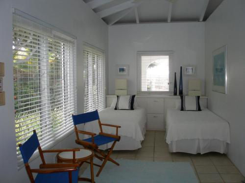 2 Bedroom Beach Front Reef House