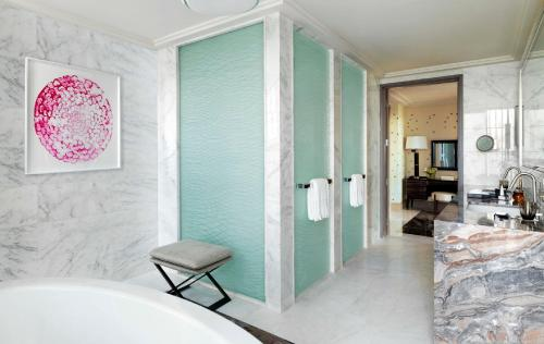 Four Seasons Hotel Abu Dhabi at Al Maryah Island photo 5