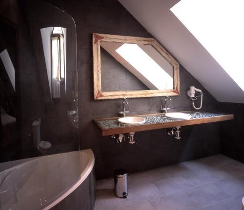 Superior Doppelzimmer mit Whirlpool-Badewanne Hotel La Casueña 6