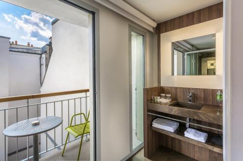 hotel jules jim review paris travel. Black Bedroom Furniture Sets. Home Design Ideas