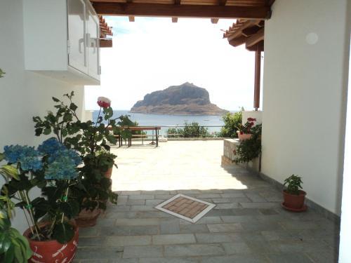 Paraschou Guesthouse