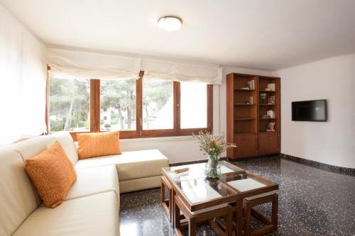 puerto pollensa. Black Bedroom Furniture Sets. Home Design Ideas