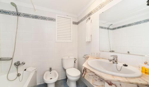 Bathroom Sinks Honolulu globales honolulu in magaluf - trabber hotels