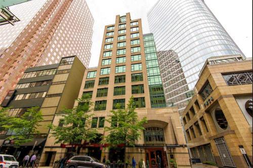 Boutique downtown suites vancouver vancouver vancouver for Best boutique hotels vancouver bc