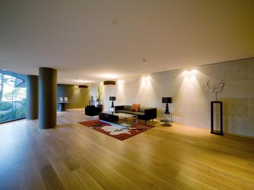 Lobby Melbourne Fully Self Contained Modern 1 Bedroom Apartment (607QUN)