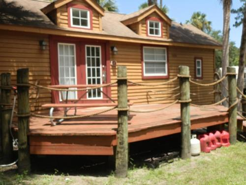 More about Crystal Isles Cabin 2