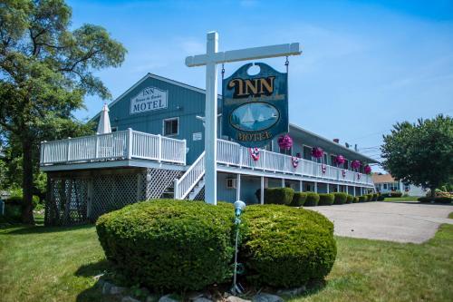 Inn Between The Beaches & Villager