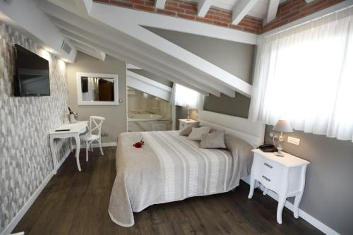 Double or Twin Room with Spa Access Hotel Spa San Marcos 8