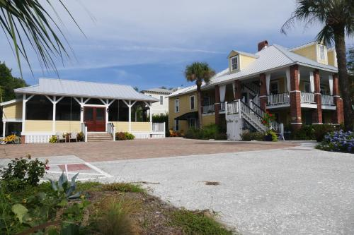 Beachview Bed And Breakfast & Inn