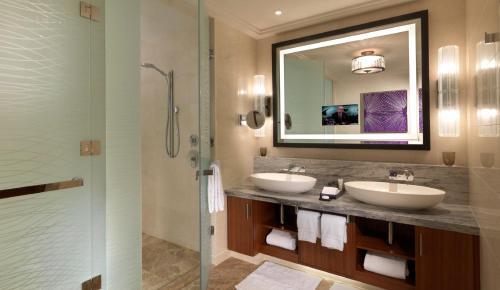 Four Seasons Hotel Abu Dhabi at Al Maryah Island photo 41