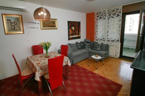 Toto Apartment