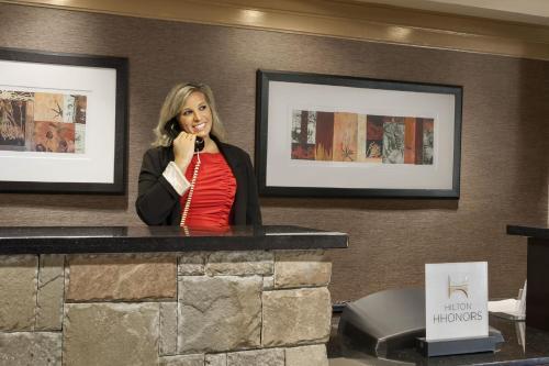 Embassy Suites Pittsburgh - International Airport