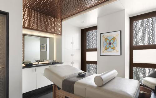 Four Seasons Hotel Abu Dhabi at Al Maryah Island photo 50