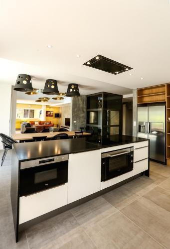 le kube annecy centre villas prestige location saisonni re 21 faubourg des balmettes 74000. Black Bedroom Furniture Sets. Home Design Ideas