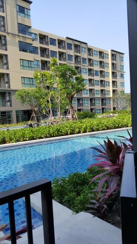 1 Bedroom Apartment with Pool Access