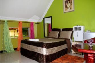 Deluxe Double Room with Shower G Greens Lodge