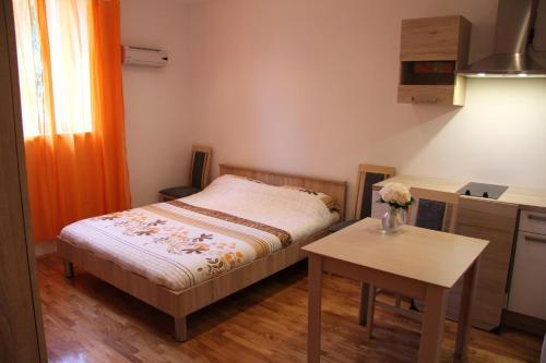 HotelVrhov?eva Apartment