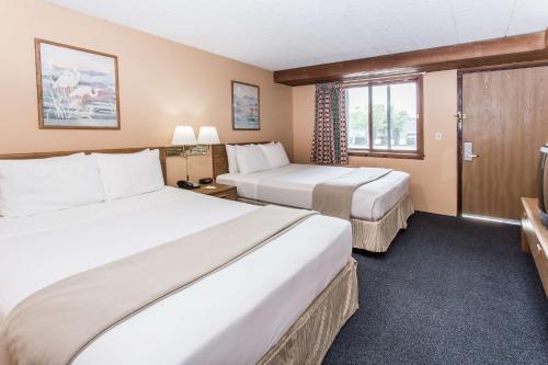 days inn west allis milwaukee milwaukee wi united. Black Bedroom Furniture Sets. Home Design Ideas