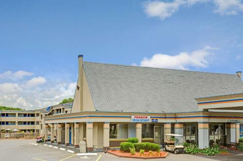 Picture of Days Inn Charlotte