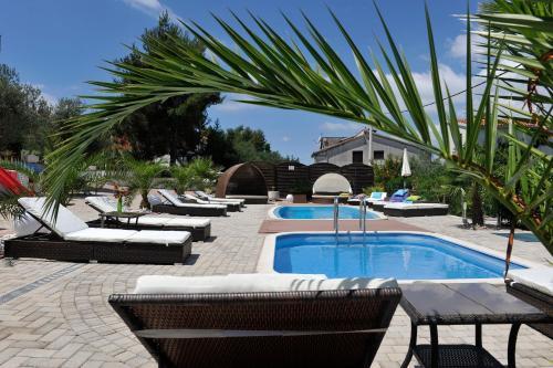 Отель Apartments Silva 4 звезды Хорватия