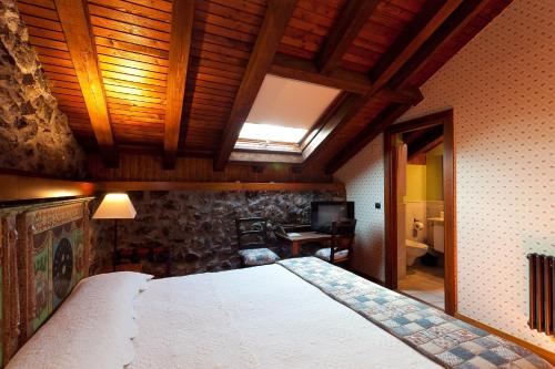 Double Room - single occupancy Hotel Antsotegi 1