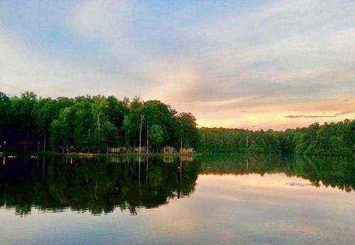 Lake Myers Lakeside Villa 19