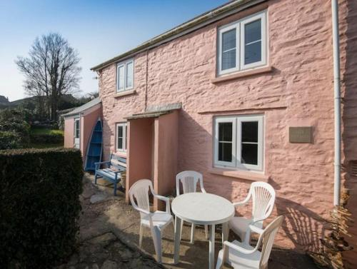 Pink Cottage 82909