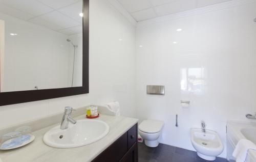 Habitación Doble Superior - 1 o 2 camas - Uso individual Hotel Palau Verd - Adults Only 8