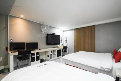 Отель W Hotel 0 звёзд Корея, Республика