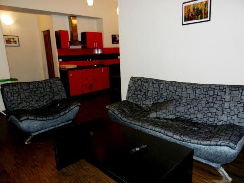 Апартаменты 4-Bedroom Apartments on Republic Square